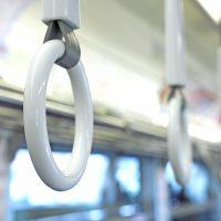 電車のつり革の輪