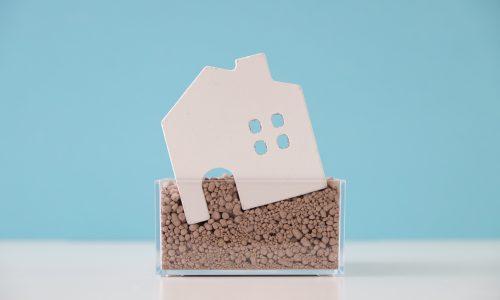基礎が緩い家の模型